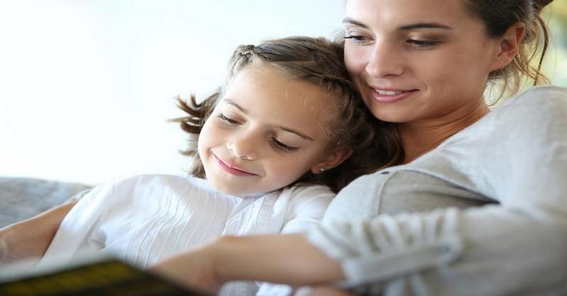 Ako budovať charakter dieťaťa prostredníctvom čítania rozprávok (+ zoznam otázok na diskusiu)
