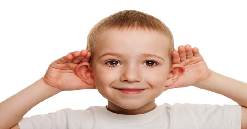 Použitie špecifického jazyka, aby deti počúvali
