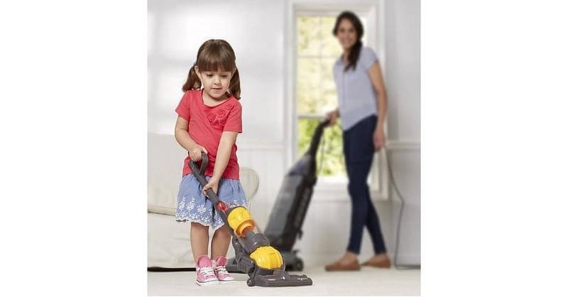 6 tipov, ktoré vám pomôžu primäť deti robiť domáce práce