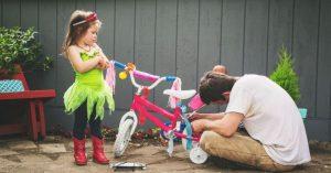 Prečo je dôležité, aby ste nechali svoje deti pozerať sa, keď bojujete