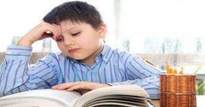 Čo robiť, keď vaše dieťa bojuje s čítaním