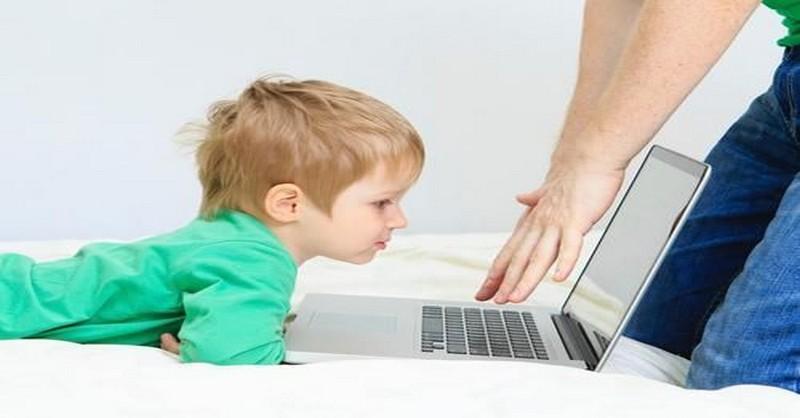 Ubližuje obmedzovanie času pred obrazovkou mojim deťom?