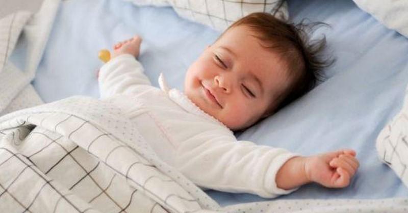 Kedy by vaše dieťa malo ísť spať (tabuľka podľa veku)