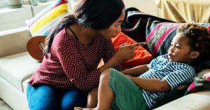 """9 dôvodov, prečo budem radšej prísnou (a nie """"suprovou"""") matkou"""