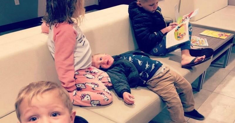 Vychovávanie detí bez pomoci rodiny je niekedy riadne nafigu