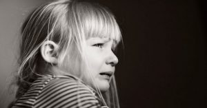Čo by mali vedieť všetci rodičia: Tieto vety (hlavne č. 3) pred vašimi deťmi nikdy nevyslovte!