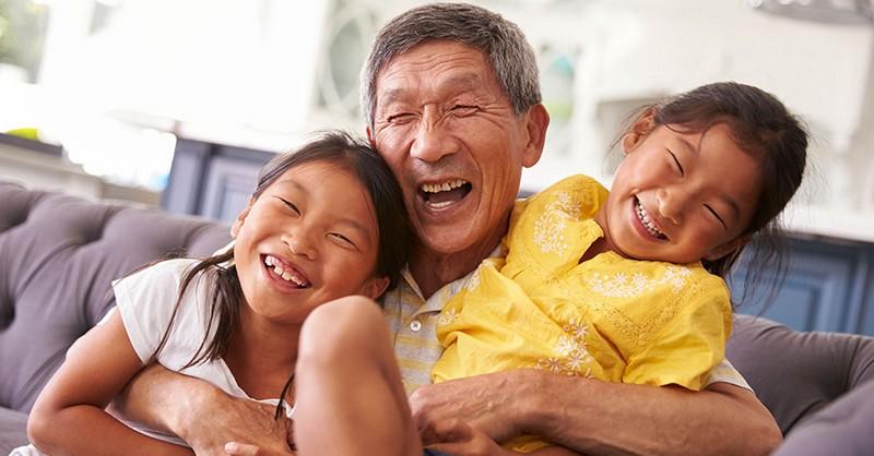 Chceli by ste, aby vaši rodičia žili čo najdlhšie? Štúdia našla jednoznačné riešenie