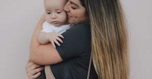 Dieťa nepotrebuje dokonalú matku. Stačí mu, ak ste pokojná