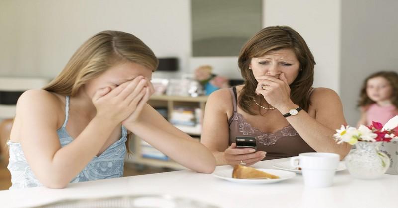 9 spôsobov, ako môžu rodičia pomôcť svojim deťom reagovať na kyberšikanu